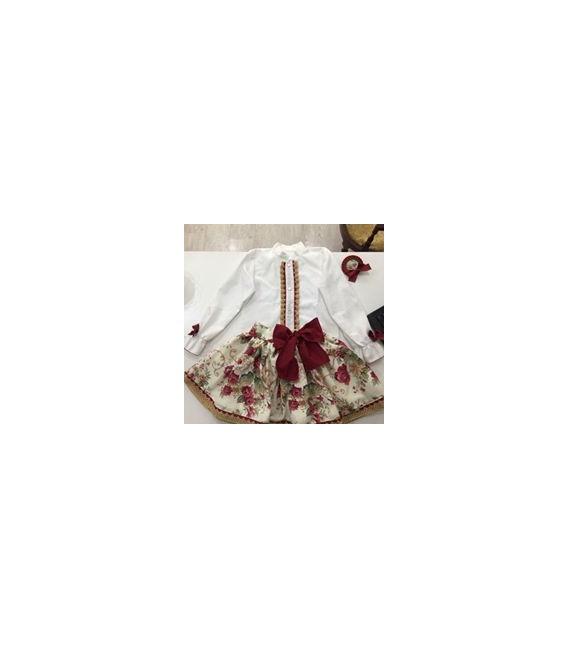 Falda vuelo y camisa vieya blanca colección Praga
