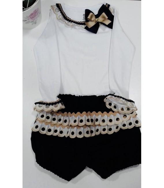 Conjunto camiseta detalle puntilla y pantalón bombacho marino / puntilla